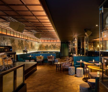 great ambiance of a speakeasy secret bar inspired by art